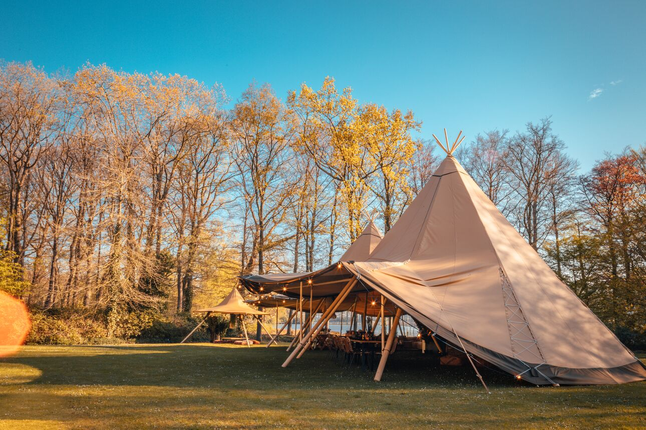 Giant Hat kata tipi I tentipi I Stretched.be