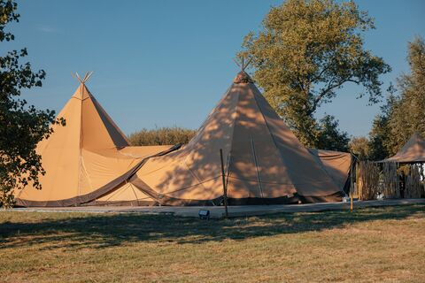 Giant Hat Kata tipi huren - stretched.be
